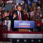 Moment Donald Trump is BOOED at Alabama rally after encouraging his supporters to take the vaccine 💥👩💥