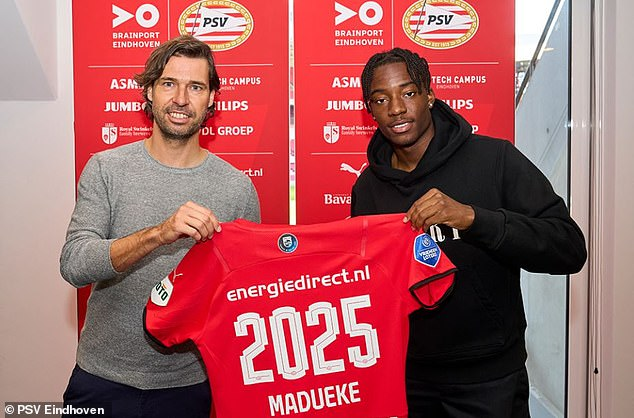 Noni Madueke has put pen to paper on a four-year deal to extend his stay at PSV Eindhoven