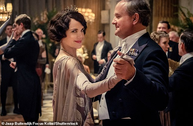 Cast:Downton Abbey series creator Julian Fellowes co-wrote the screenplay with Gareth Neame and Liz Trubridge, with Simon Curtis directing