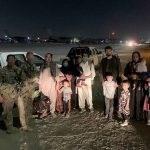 Afghanistan evacuation continues day after ISIS bomb kills 13 US troops and 90 Afghans 💥👩💥