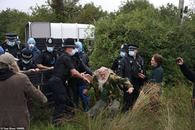 Police clashed with animal rights protesters defending Geronimo the alpaca this morning