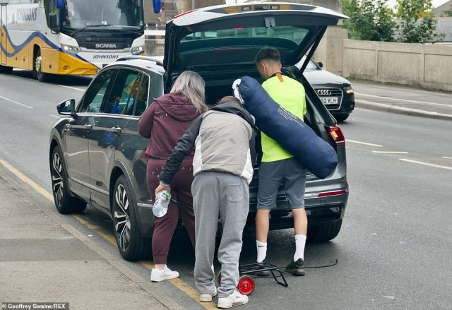 Pick me up please! Some people were fortunate enough to be collected by kind friends and family members
