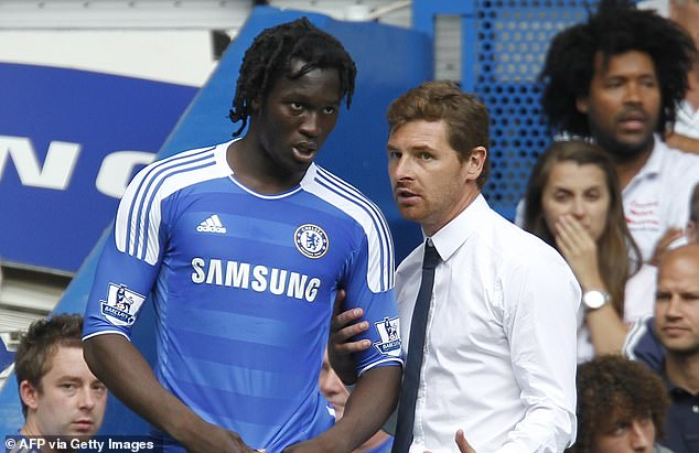 Romelu Lukaku's first Stamford Bridge debut against Norwich City wasn't one to remember as he came on as a sub late, with manager Andre Villas-Boas giving him instructions (above)