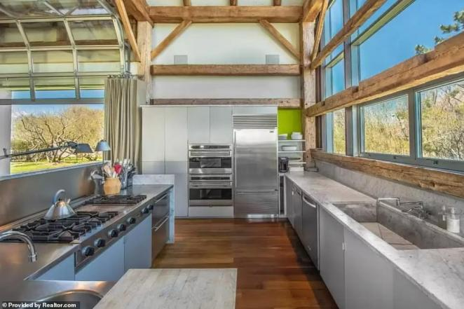 The kitchen comes with stainless steel appliances and granite countertops