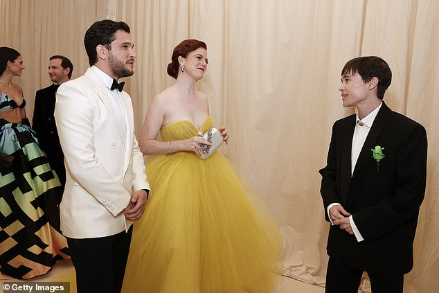 Small talk:Elliot must have made Game Of Thrones fans at home jealous when he stopped to chat with the show's stars Kit Harington and Rose Leslie