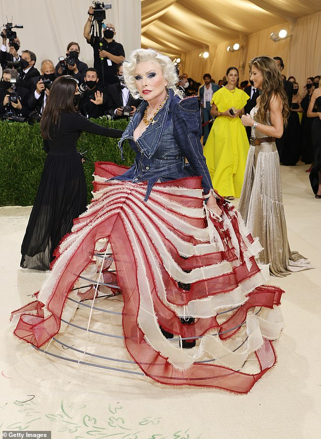 Blondie veteran Debbie Harry arrived in a patriotic red, white and blue Zac Posen ensemble that mirrored a shabby American flag