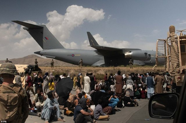 Members of the UK Armed Forces taking part in the evacuation of people from Kabul Airport in Afghanistan on August 20