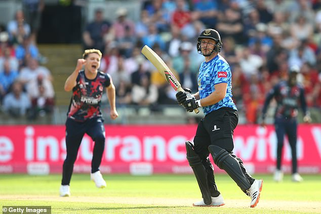 Fred Klaassen finishing with a career-best four for 17 as Kent beat Sussex by 21 runs