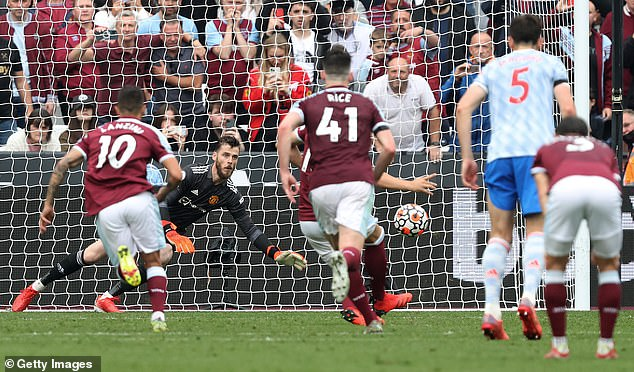 But there was still late drama as David de Gea saved Mark Noble's stoppage time penalty
