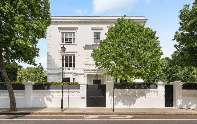 In addition to their Los Angeles home, the couple shared residences in London (pictured), Buckley's native New York and Tom's Santa Fe hometown.