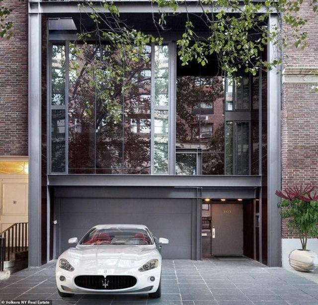 In 2019 Ford and Buckley acquired their New York home located in the Upper East Side