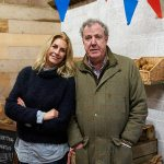 Police try to slam the brakes on Jeremy Clarkson's plans to expand his Diddly Squat Farm shop 💥👩💥