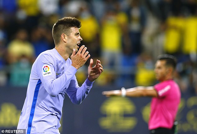 , Gerard Pique calls for stability at Barcelona and says team CAN challenge for LaLiga title, The Today News USA