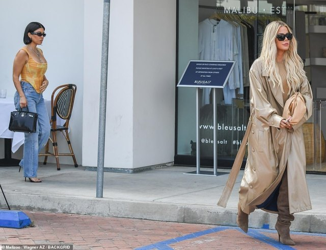 Wait up! It appeared as though Kourtney was following sister Khloe as they left the restaurant