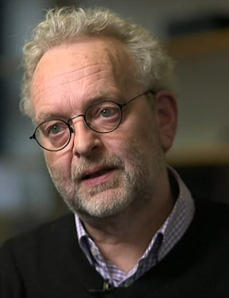 Professor Graham Medley, chair of an influential subgroup of SAGE, told MailOnline that because of difficulties with accounting for asymptomatic prevalence and declining antibodies, MailOnline experts have not yet arrived at an accurate estimate for all age groups, but government scientists are 'active. I'm definitely looking for one.