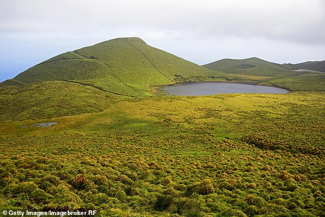 Analysis of sediment cores taken from Pico Island's Lake Peixinho (pictured) showed an increase in 5-beta-stigmasterol, commonly found in livestock waste, dated to between 700 and 850 AD, dating back to 1427 by the Portuguese. It was long before I came.