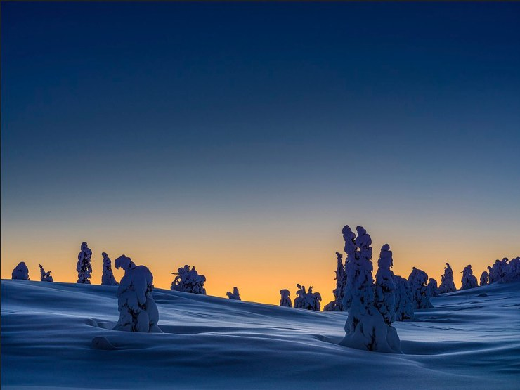 Silver awards were also presented to Magnus Jonassen for his untitled Classic Landscapes shot of a frozen scene in Kvitfjell, Norway