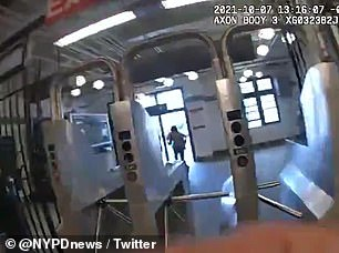 A NYPD cop chased a 15-year-old who allegedly stole a cell phone through a Brooklyn subway stop
