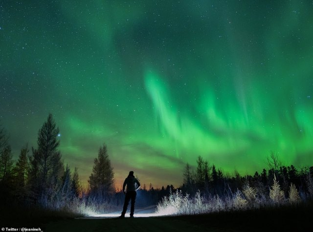 Lucky Star Geysers shared great photos of the Northern Lights in the skies over the UK, US and Canada last night on social media.  Photo: Photographer Jenin Holovatiuk posted this shot of the Northern Lights in Saskatchewan, Canada last night.