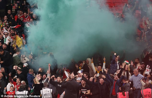 , Hungary fans involved in ugly clashes with police at Wembleyas officers use batons, The Today News USA