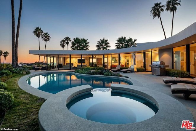 Before his vow to sell all of his properties, Musk sold this Brentwood house in August 2019 for $4million