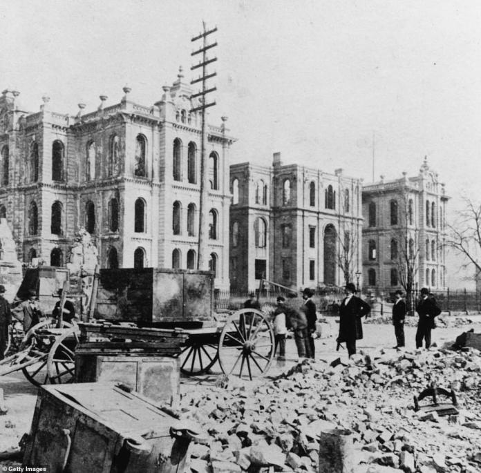 The area around Court House in Chicago sat in ruins after the historic blaze in October 1871