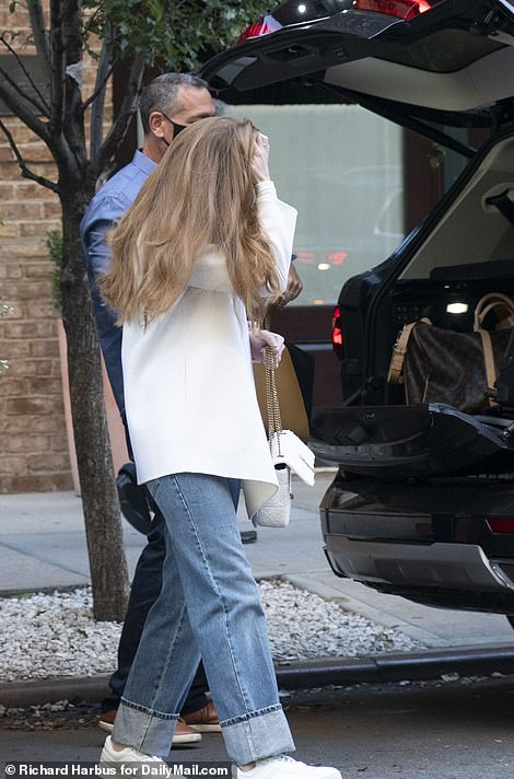 , Jennifer Gates leaves New York City before heading upstate for her extravagant wedding, The Today News USA