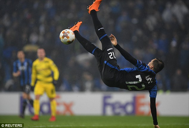 Josip Ilicic tries a speculative acrobatic effort but fails to connect with the ball in the first half