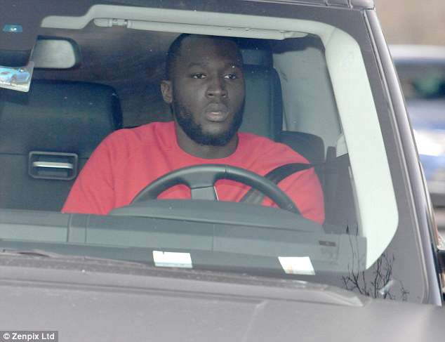 Romelu Lukaku and the rest of the Manchester United squad arrive at training on Thursday