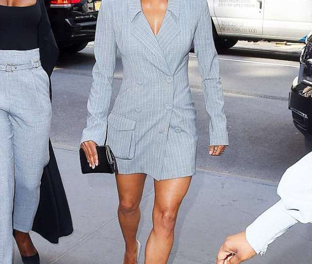 Halle Berry Looks Fabulous As She Flaunts Her Legs In A