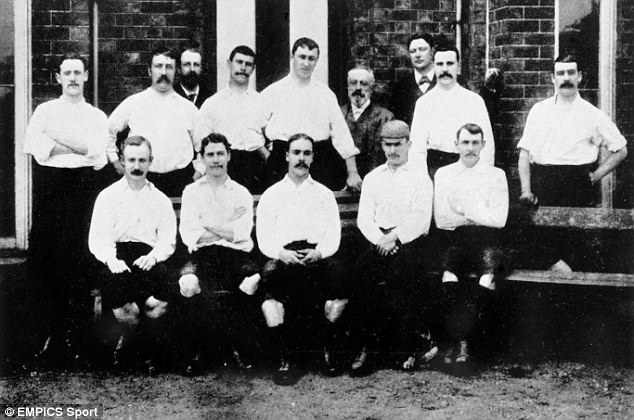 Preston became the first undefeated team in the inaugural Football League competition:(back row, l-r) Dr Robert Mills-Roberts, Johnny Graham, Bob Holmes, David Russell, Bob Howarth, Geordie Drummond; (front row, l-r) Sammy Thomson, Fred Dewhurst, John Goodall, Jimmy Ross, Jack Gordon