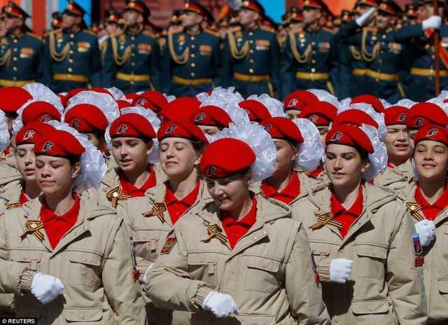 ユナイマ青少年軍隊のメンバーもパレードに参加しました