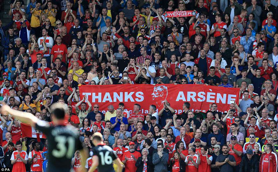 The Arsenal supporters were in good spirits as they paid tribute to their legendary manager in his final game in charge