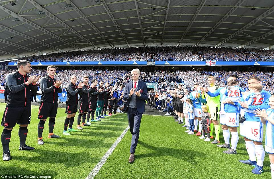 Wenger was greeted with a guard of honour as he walked out for his last game as Arsenal manager