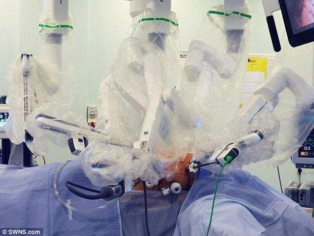 Surgery conducted by Da Vinci robots is said to be quicker and causes fewer side effects