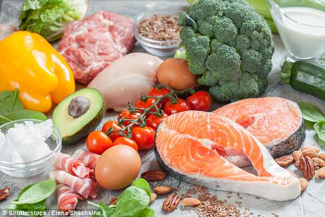 People who eat plenty of vegetables and fish have brain volumes that are  2ml greater (stock)