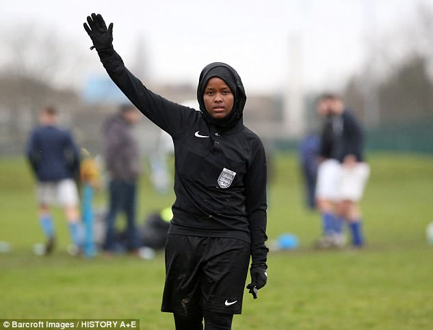 Inspirational Somalian refugee, 24, becomes first female Muslim FA ...