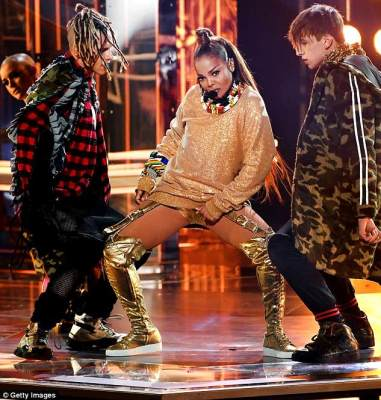 Janet Jackson Sizzle on the Billboard Music Award stage