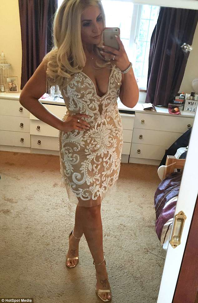 Jenna spotted her dream dress online (pictured) and was determined to slim down from a size 22 to fit into it