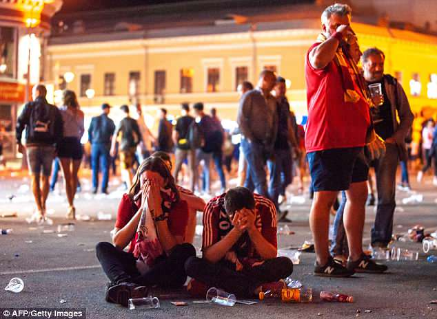 Liverpool FC's fans displayed an outpouring of grief in the fan zone in Kiev