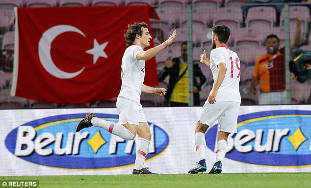 Arsenal target Soyuncu scored a last-gasp equaliser for Turkey in their 2-2 draw with Tunisia