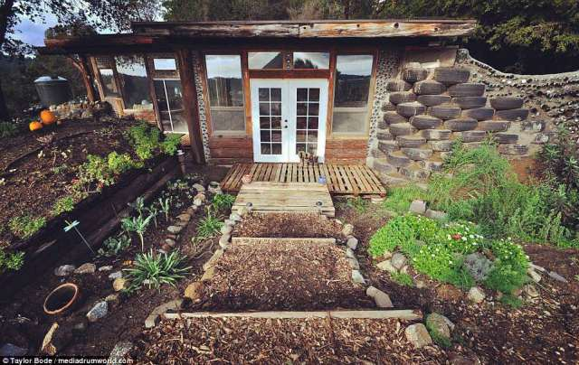 Building a house isn't cheap but Taylor and Steph managed to complete theirs for just $10,000 after deciding to use free, easily accessible materials to construct a low-tech, high-performance cabin