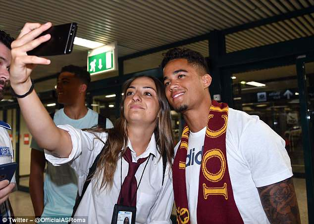Kluivert was welcomed to the Italian capital as he arrived at the airport