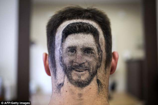 The resemblance to the Barcelona superstar is quite remarkable, given the difficulty of task