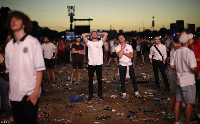 London's Hyde Park was left strewn with litter and heartbroken fans in the wake of the 2-1 loss