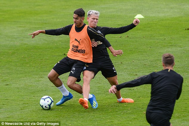 Teammates Kenedy, DeAndre Yedlin and Matt Ritchie have all dyed their hair