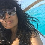 Salma Hayek set pulses racing in bikini photo