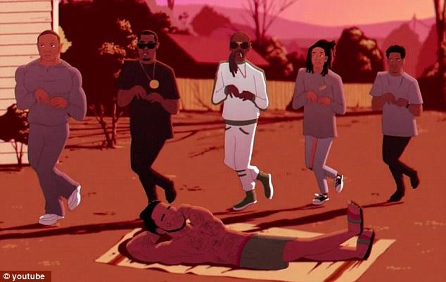 Légendes: Dr. Dre, Sean Combs, Snoop Dogg, Wiz Khalifa et Jay-Z dansent derrière Gucci Mane pendant qu'il est au soleil