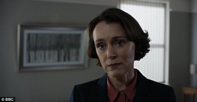 L'actrice Keeley Hawes, 42 ans, joue le rôle de la secrétaire à la maison, Julia Montague, dans le nouveau film dramatique Bodyguard de la BBC. Elle est vue ici dans une scène de l'épisode trois, diffusée dimanche soir