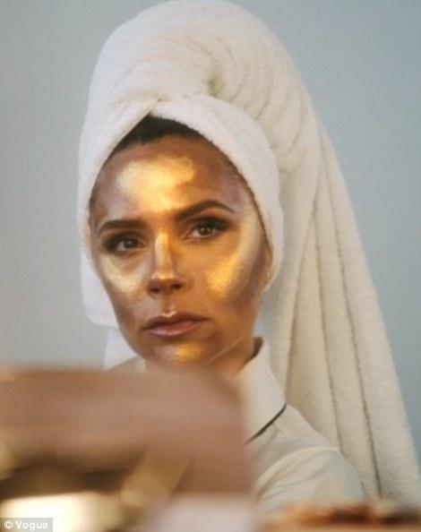 Fille dorée: Victoria a dit qu'elle était tout au sujet de «moins est plus» en tant que maquilleuse des stars, Charlotte Tilbury a créé un look pour elle